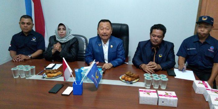 Wakil Walikota Tanjungpinang Rahma di dampingi Ketua DPD Partai NasDem Kota Tanjungpinang Bobby Jayanto dan pengurus