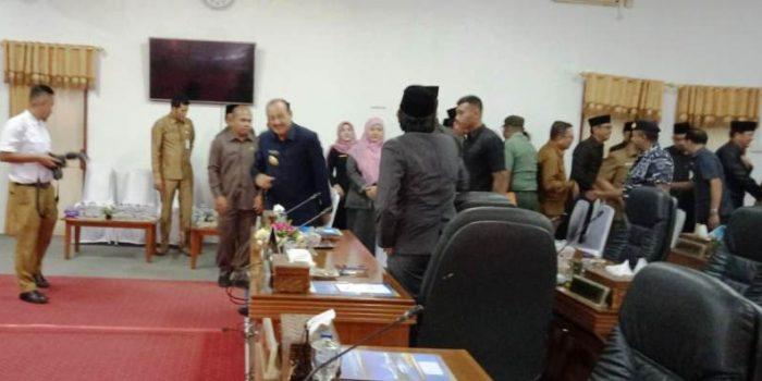 Sejumlah anggota DPRD yang hadir