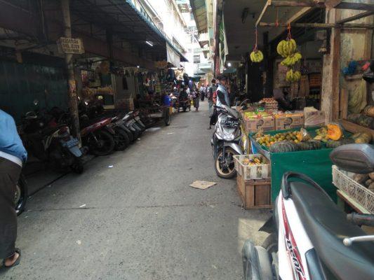 Suasana di Pasar Baru Tanjungpinang jalan Gambir