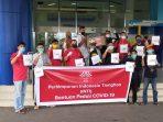 Relawan Covid-19 Tanjungpinang, INTI dan Perpat Tanjungpinang saat penyerahan APD ke RSUD RAT