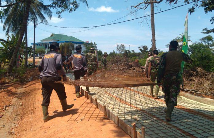 Satgas TMMD ke-107 bekerja tanpa lelah di Tanjung Siambang
