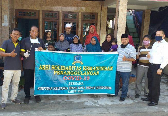 Himkomed Tanjungpinang bagi sembako ke warga terdampak Covid-19 di Tanjungpinang