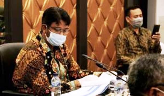 Bupati-Bintan-Apri-Sujadi-saat-melakukan-pembahasan-Realokasi-Anggaran-Percepatan-Penanganan-Covid-19-kabupaten-Bintan