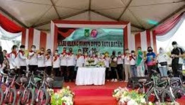 Foto Bersama Diacara Peringatan HUT DPRD Kota Batam ke 20