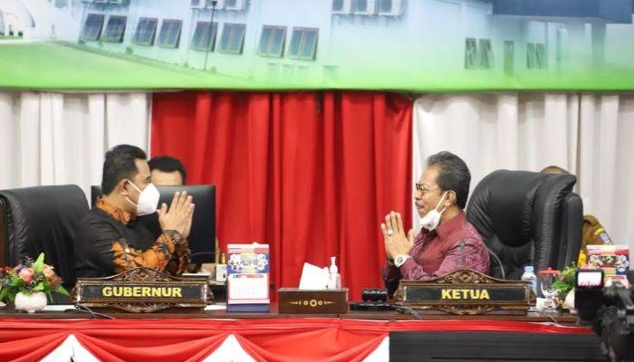 Pjs Gubernur Kepriu, Bahtiar Dan Ketua DPRD Kepri, Jumaga Nadeak Sebelum Paripurna Dimulai