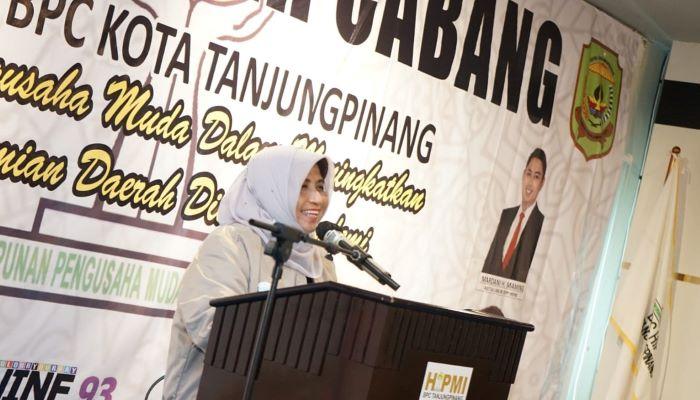 Rahma Saat Menyampaikan kata sambutannya Diacara Muscab V HIPMI Kota Tanjungpinang