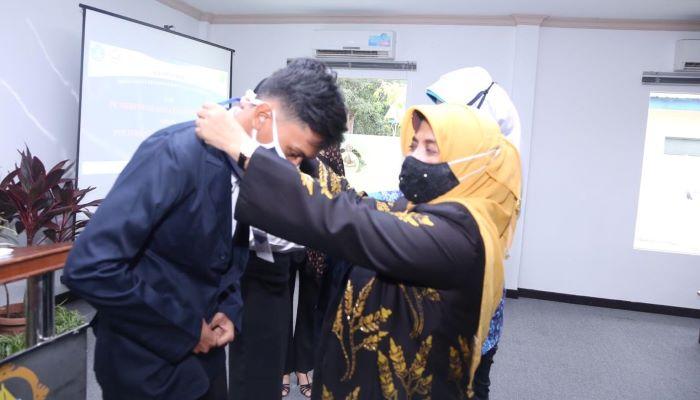 Salah Satu Penerima Bantuan Beasiswa Dari pemko Tanjungpinang