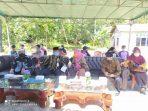 Tamu undangan menghadiri acara peresmian rumah siaga anak di Tanjung lanjut, kelurahan Kampung Bugis