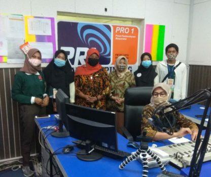 Foto bersama usai dialog interaktif di RRI Tanjungpinang