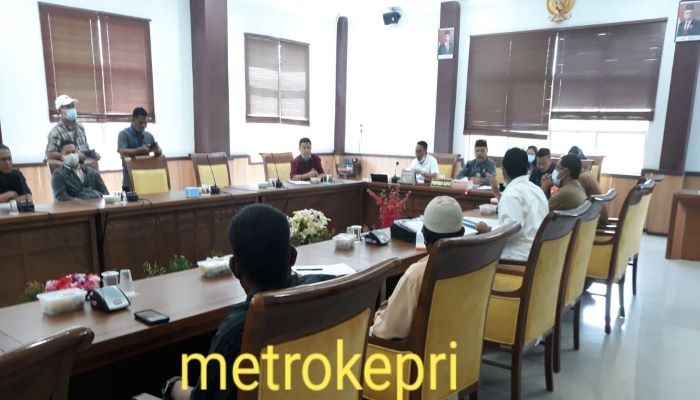 Suasana RDP Diruang Rapat Komisi I DPRD Kota Batam