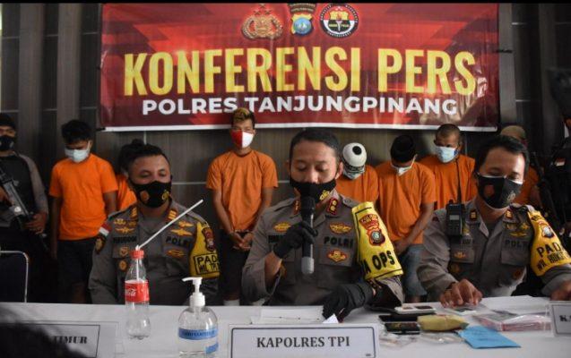 Kapolres Tanjungpinang, AKBP Fernando Saat Memimpin Konferensi Pers