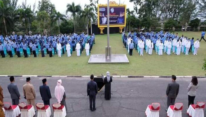 Suasana Pelantikan Pejabat Eselon di Halaman kantor Wali Kota Tanjungpinang