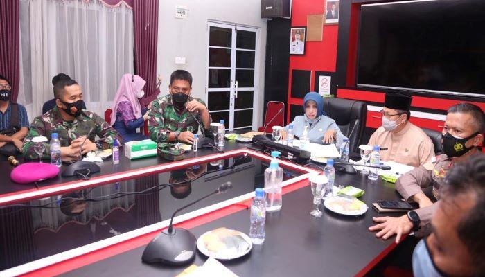 Wali Kota Tanjungpinang, Rahma Bersama FKPD Saat Diskusi