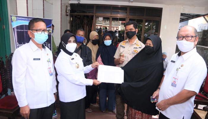 Wali Kota Tanjungpinang, Rahma Saat Launching Kartu Pelanggan Gas 3Kg