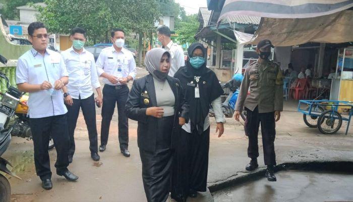 Wali Kota Tanjungpinang, Rahma Saat Menemui Warga Senggarang
