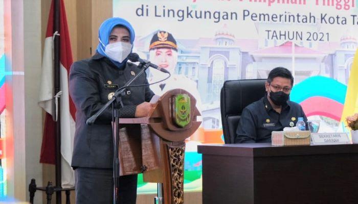 Wali Kota Tanjungpinang, Rahma Saat Menyampaikan Sambutannya Sebelum Melantik 13 Pejabat