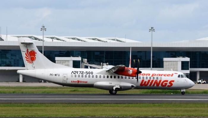 Wings Air tipe pesawat ATR 72-500 di Bandar Udara Internasional Syamsudin Noor Banjarmasin di Banjarbaru, Kalimantan Selatan. [foto oleh Fikri Izudin Noor]