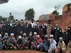 Foto Bersama Usai Peletakkan Batu Pertama Pembangunan Masjid