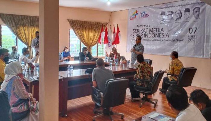 Ketua Umum SMSI, Firdaus Saat Menyampaikan Sambutannya Diacara HUT SMSI Ke 4