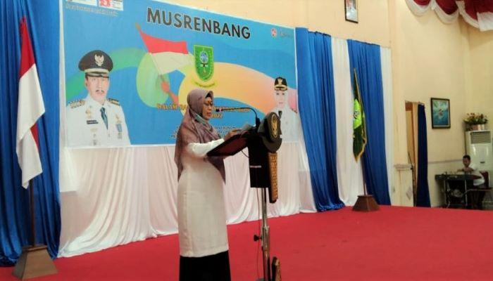 Ngesti Yuni Suprapti saat menutup Musrenbang 2022