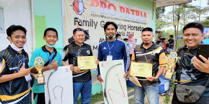 Panahan Komunitas Jiwa Archery Tanjungpinang Foto Bersama Usai Lomba