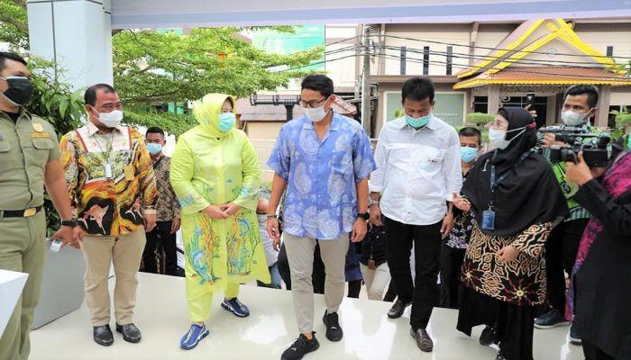Wali Kota Batam, Rudi Bersama Wagub Kepri, Marlin Saat Mengunjungi Lokasi Gebyar Melayu Pesisir