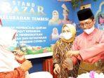 Wakil Wali Kota Batam, Amsakar Saat Bersama Istri