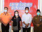 Wali Kota batam, Muhammad Rudi Foto Bersama USai Meninjau Pelaksanaan Vaksinasi