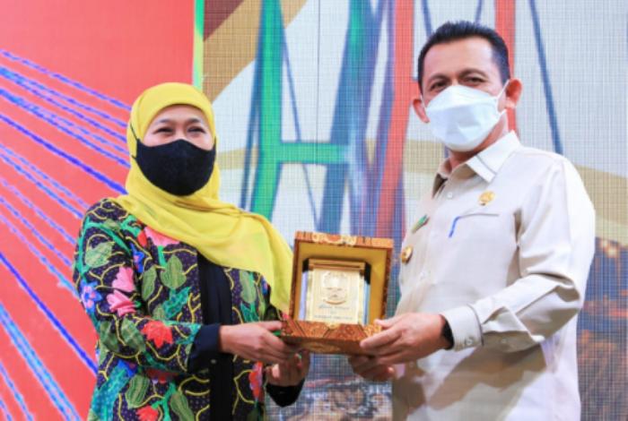 Gubernur Kepri, H Ansar Ahmad Bersama Gubernur Jawa Timur, Hj Kofifah Indar Parawansa