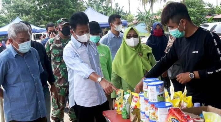 Wali Kota batam, Muhammad Rudi Saat Meninjau Pasar Murah