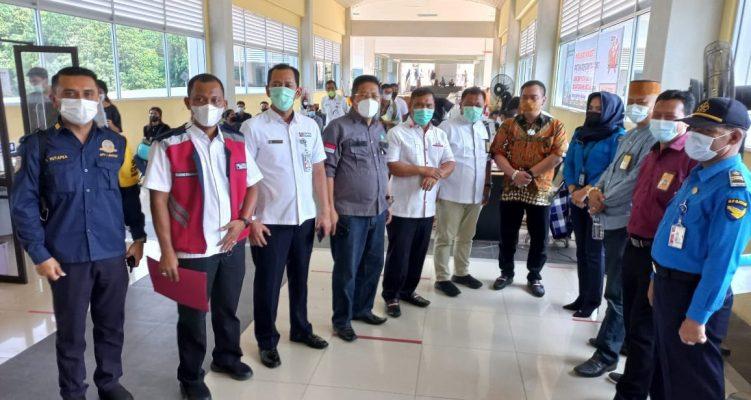 Rombongan Komisi III DPRD Kepri Saat Foto Bersama