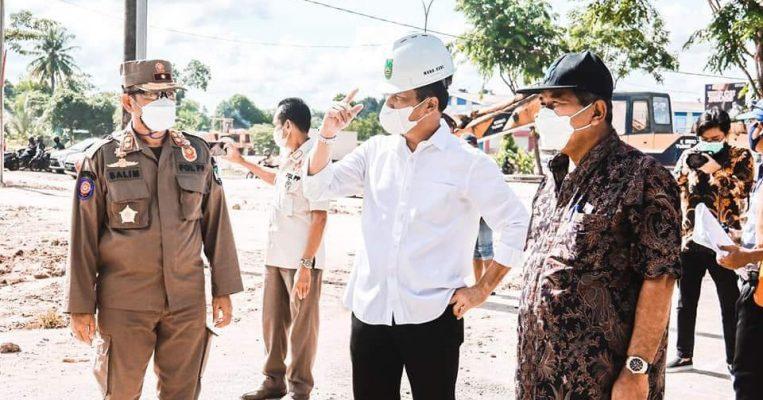 Wali Kota Batam, Muhammad Rudi Saat Meninjau Progres Pengerjaan Jalan
