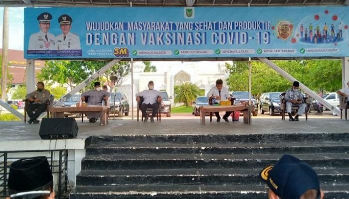 Ketua DPRD Kota Batam, Nuryanto Saat Ikut Rapat Penerapan PPKM Darurat