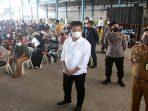 Wali Kota Batam, Muhammad Rudi Saat Meninjau Vaksinasi di SP Plaza